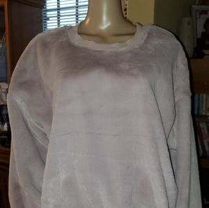 NWT - Wild Fable, Size XXL, pink sweat shirt.